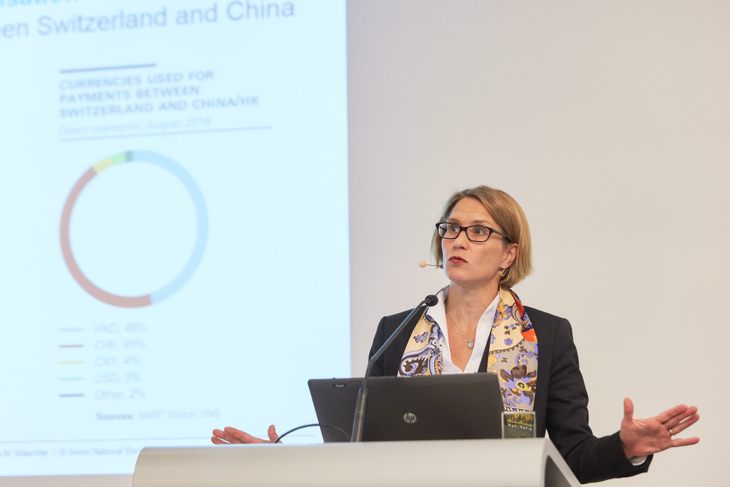 "Andrea Maechler (SNB) während Ihres Referats ""RMB on its way to become a reservce currency"""